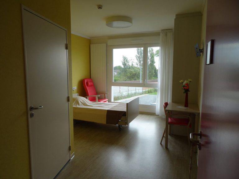 chambre-resident-ehpad-hebergement-classique