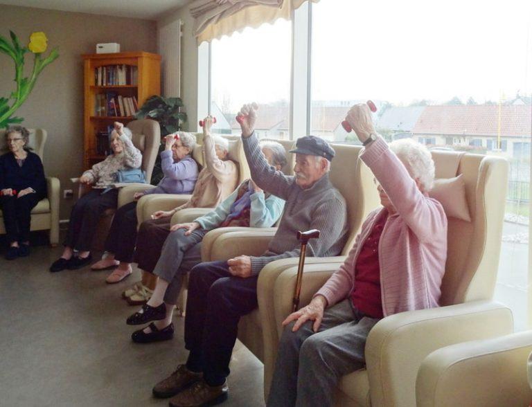 gymnastique douce en maison de retraite