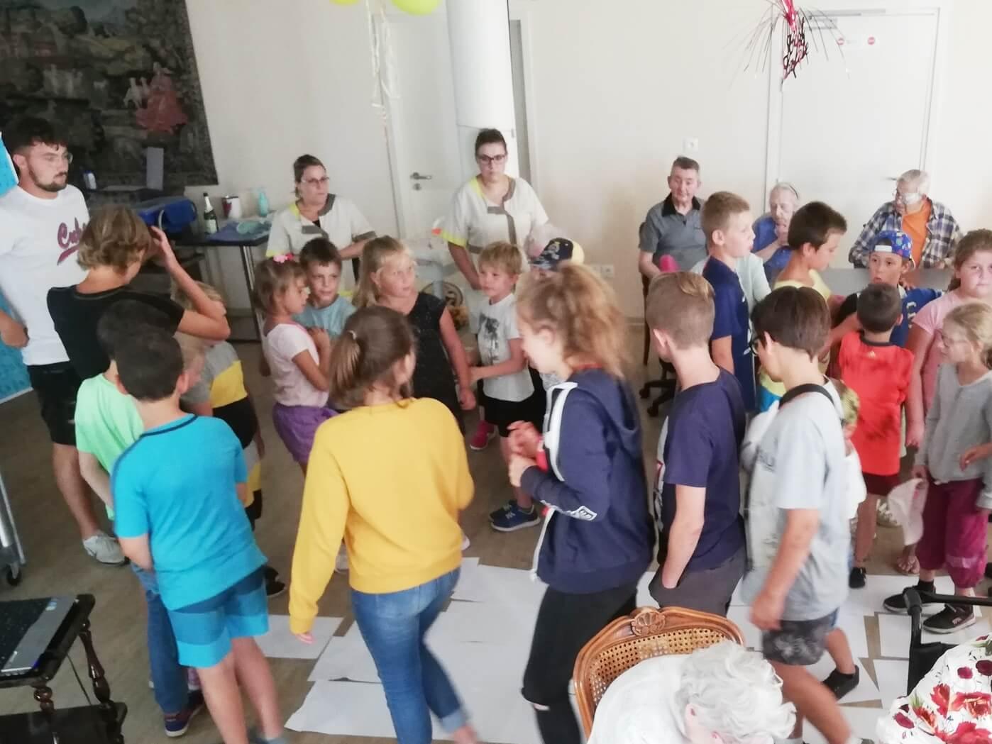 rencontre intergénérationnelle centre loisirs de marck ehpad les lilas marck en calaisis (4)